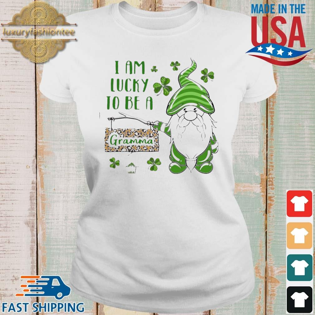 St Patrick's Gnomes I Am Lucky To Be A Gramma Shirt Ladies trang