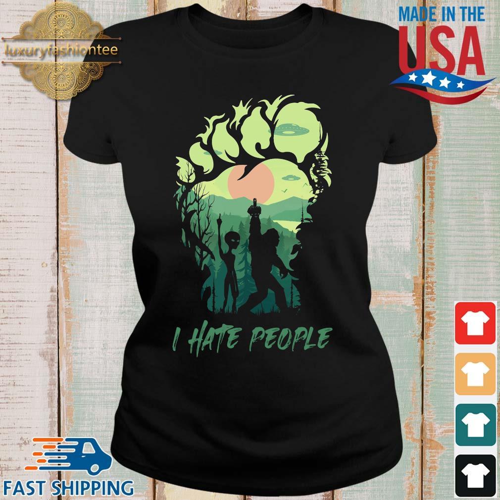 Bigfoot Alien middle finger green I hate people s Ladies den